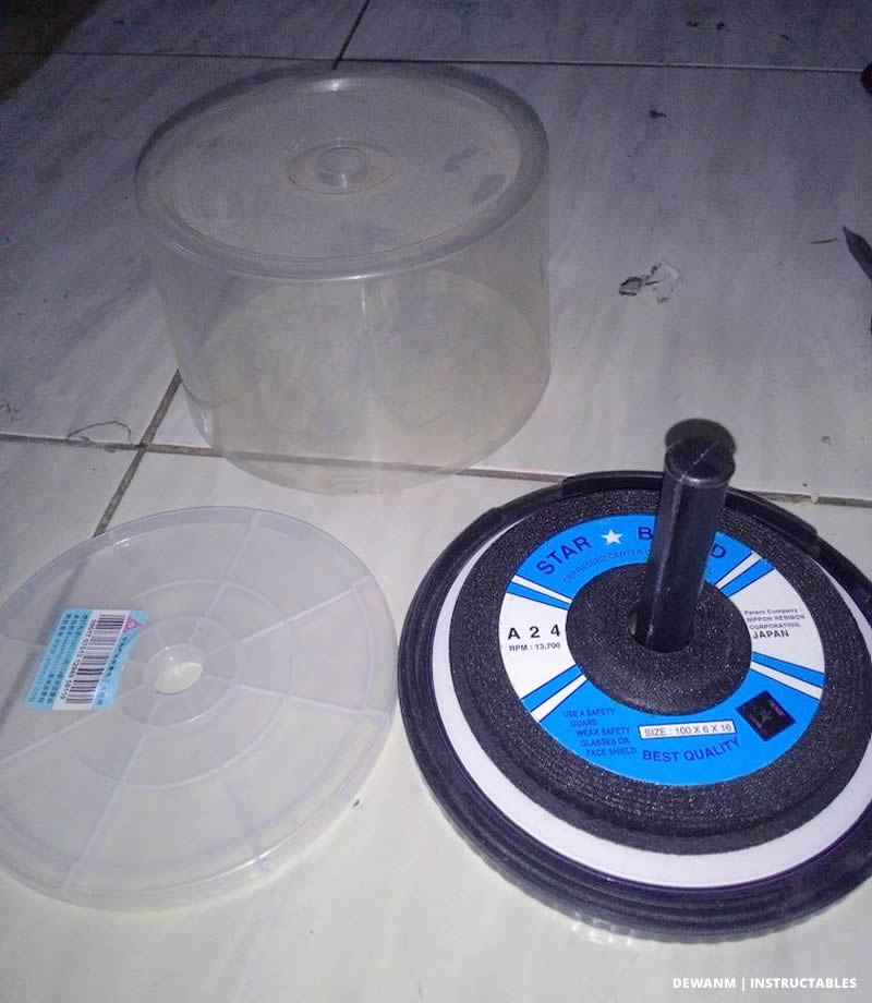 Store Cutting & Grinding Discs in a CD Spindle